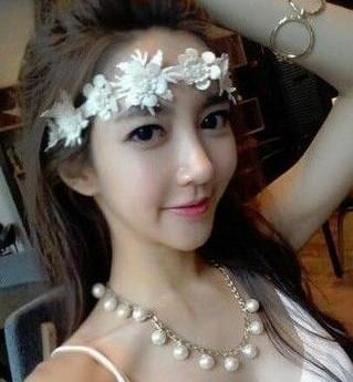 有一位韩28岁美女教师自拍照网络走红