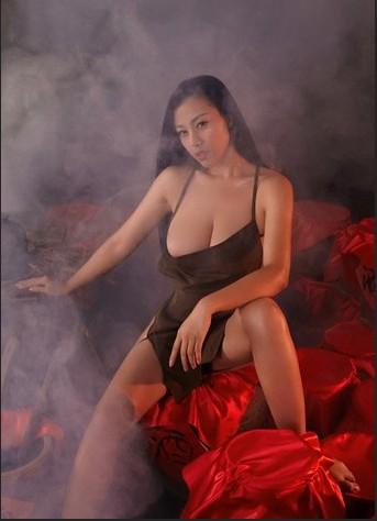 苏梓玲 红高粱 酒娘图片
