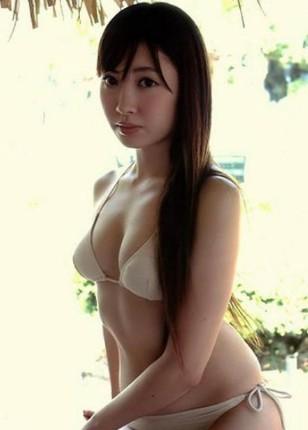 akb48小岛阳菜半裸